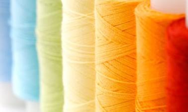 SPUN - PES Fasergarn farbig